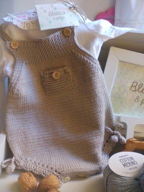 Ranita en lana merino, de blancaypunto.