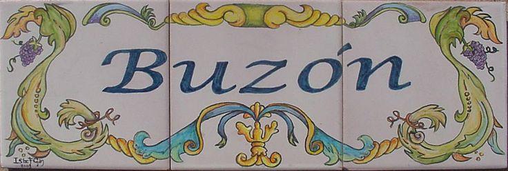Letrero para tu buzón de cartas.compuesto por tres baldosas de 15x15cm (Medida total 45x15cm) esmaltado en blanco antiguo y elegantemente pintado a pincel. Visitarme en www.isabelgan.es