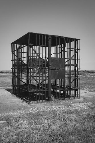 Caged. - www.dharmaanchor.com - Old West Oklahoma ...