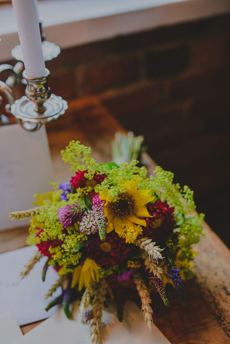 Rustic wedding bouquet with sunflowers and wildflowers // Rustiikkinen hääkimppu jossa mm. auringonkukkia ja villikukkia
