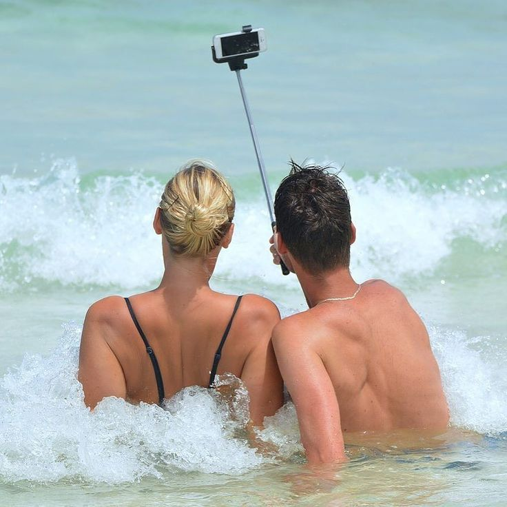 #Selfie #Saturday - how do you take the best selfie? . . . . . #angle #phone #selfie #couple #waves