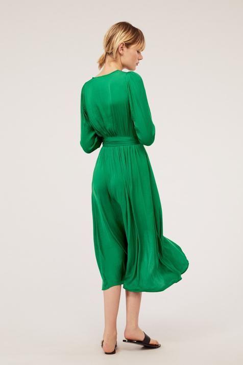 65bd7e70f El vestido de Oysho que querrás llevar a tu próxima boda de primavera