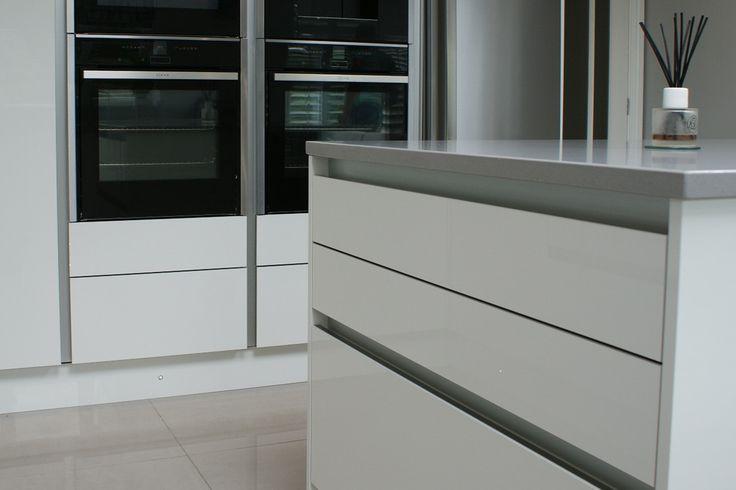 Zurfiz door in Ultragloss White by BA Components www.byba.co.uk/brochure