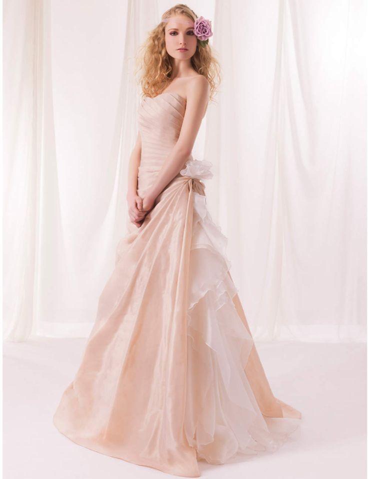 Les 25 meilleures id es de la cat gorie robes de mari e for Vera wang robes de mariage d hiver