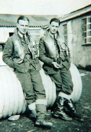 Sgt John S Anderson (left) was transferred to No 234 squadron RAF in late September 1940 before being posted back to No 152 Squadron RAF in late November. At RAF Warmwell, he saw no enemy aircraft but amassed many flying hours in routine formation drills, practice attacks, air tests and air-to-ground firing. From April, coastal patrols and convoy protection from RAF Portreath were added to the roster, remaining the main fare until mid-1941.