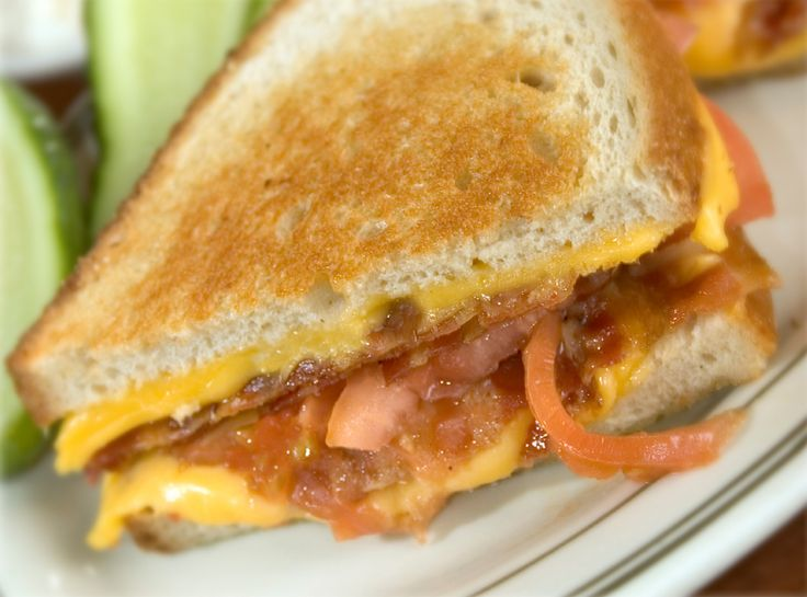 Grilled Cheese, Bacon and Tomato Sandwich