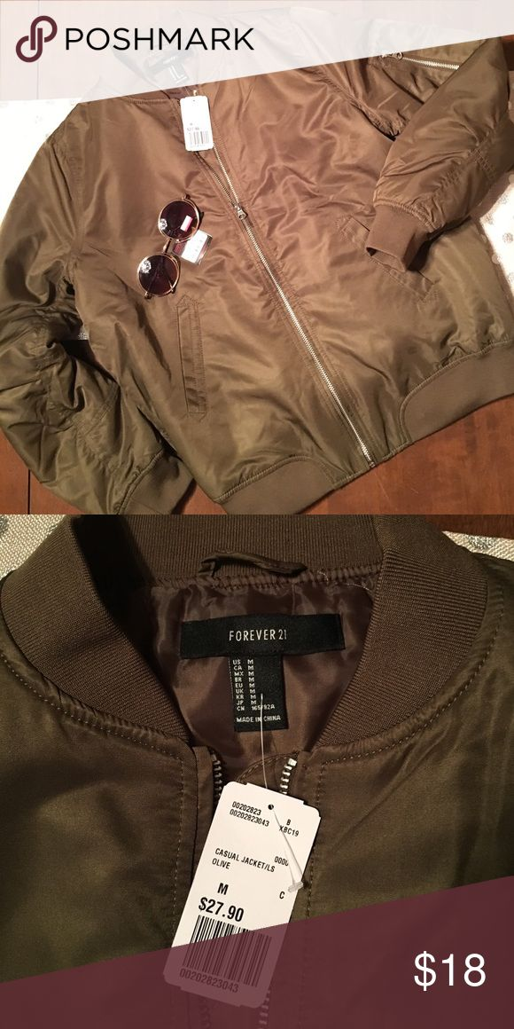🌼 NWT Size M Army Green Bomber Jacket Lightweight Bomber Jacket - NWT. Size M Think Spring 🌼 (Sunglasses not included). Forever 21 Jackets & Coats