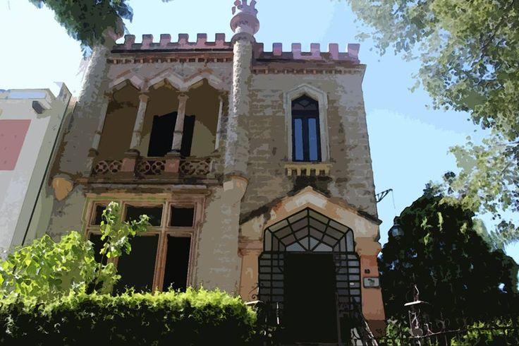 El Castillito, sede del CIESAS desde la década de los 90, construido por Guillermo de Alba en 1907 para un cónsul italiano Giuseppe Rolleri. Aquí reside la actividad administrativa y los cubículos de los investigadores.