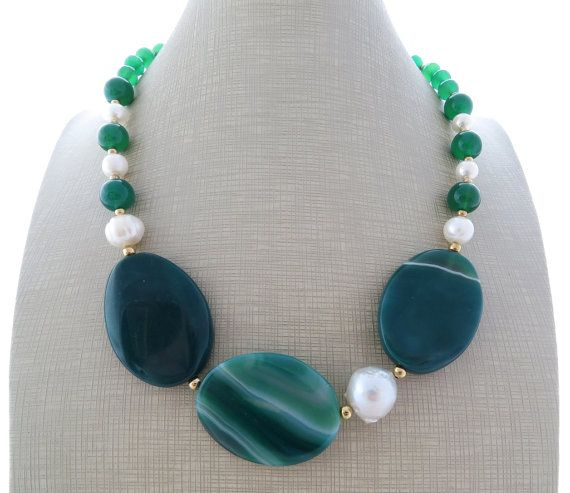 Green agate necklace chunky necklace with baroque by Sofiasbijoux