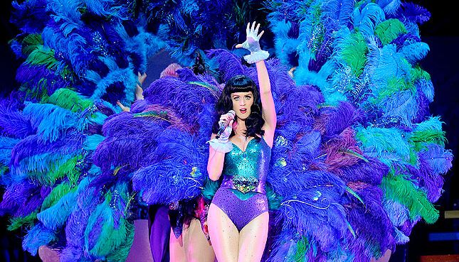 katy perry and her special microphones 2014 | Katy Perry decided to give her fans a sneak peek of her Prismatic ...