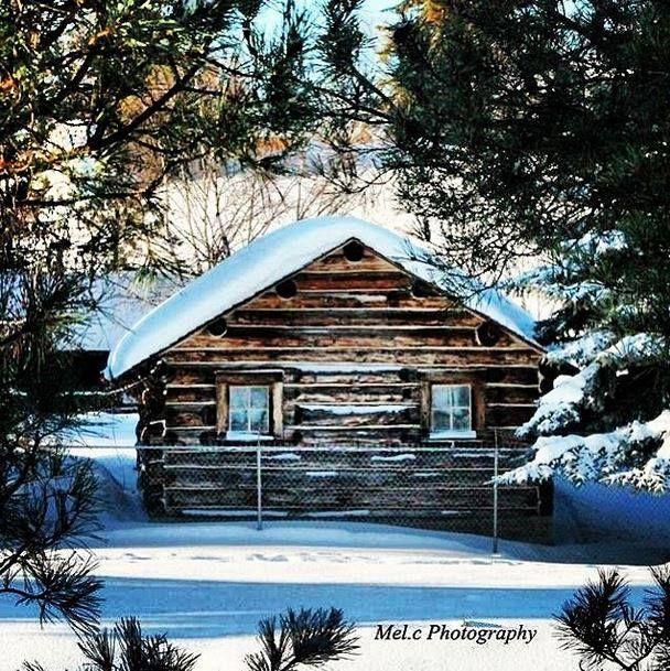 Log cabin. Winter time. Perfection.   Photo by @Melissa Squires Burgoyne Location: Grande Prairie, Alberta