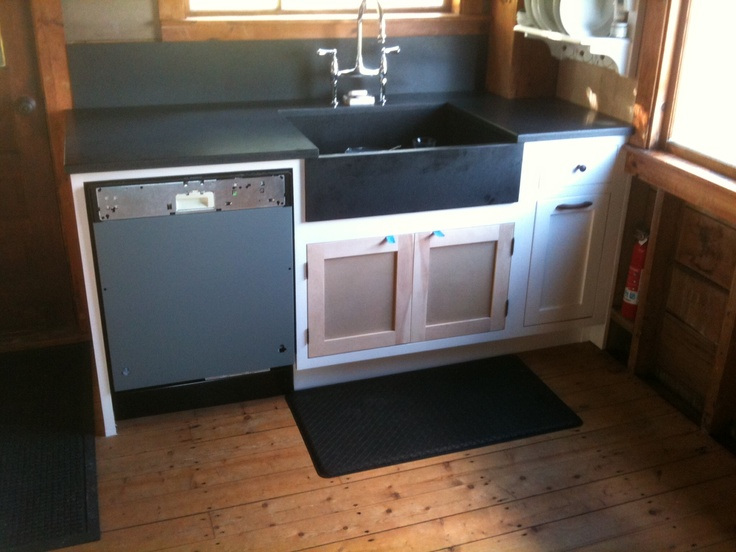 this photo shows the new sink counter top and backsplash installed by freshwater stone plus. Black Bedroom Furniture Sets. Home Design Ideas