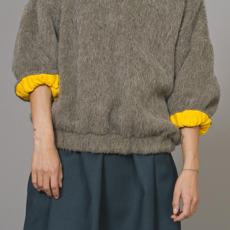 Kenzo Wool sweater   Yellow contrast turn back cuffs