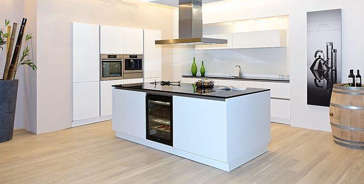 die 25 besten ideen zu k chendesign mit kochinsel auf pinterest k che mit kochinsel. Black Bedroom Furniture Sets. Home Design Ideas