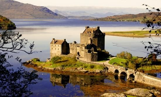 Eilean Donan Castle & Visitor Centre. Since I begain the Outlander book series, I've been dying to see scotland...and a jaime fraser