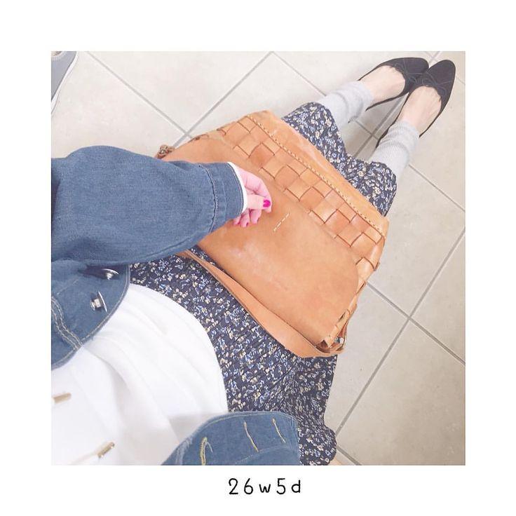 いいね!124件、コメント6件 ― ayu🍦さん(@ayu_kotarai)のInstagramアカウント: 「昨日の服 #gu の白パーカー❤︎ #hm のバレエシューズは履きやすくてもう3足目୨୧ . . 👔#デニムシャツ#クラシカルエルフ#楽天 👚#パーカー#ジーユー…」