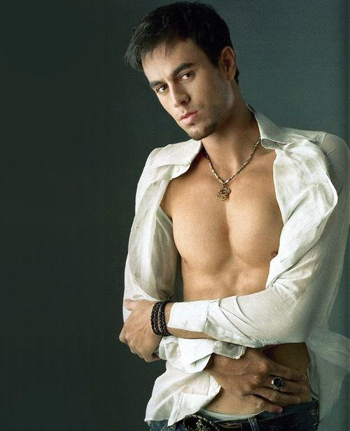 Enrique Iglesias Biography - Six Packs Photos