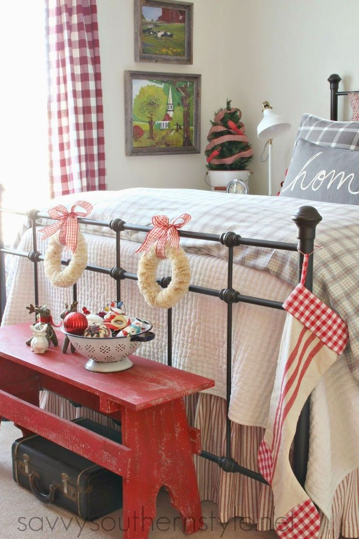 Adorable 30 Gorgeous Southern Style Bedroom Decor Ideas https://homeylife.com/30-gorgeous-southern-style-bedroom-decor-ideas/