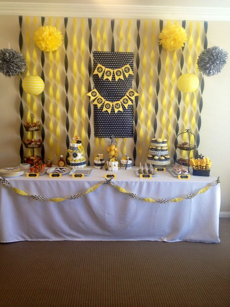 bumble bee theme shower baby shower pinterest streamer ideas