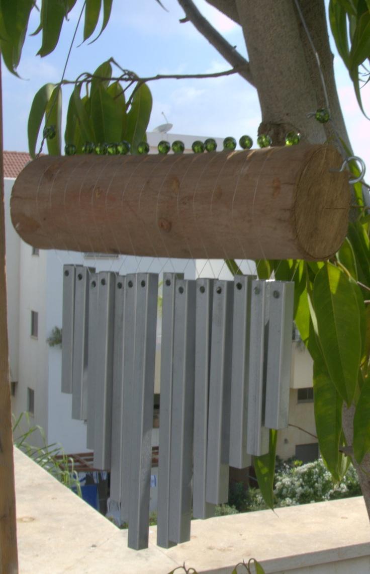 hierro y madera de viento carillón todos hechos de materiales reciclados