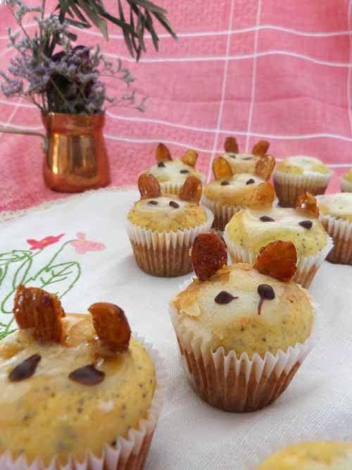 Muffins de ricota y semillas, decorados como conejos de pascua Cupcakes, Chocolate, Healthy Recipes, Healthy Meals, Breakfast, Mini, Food, Sweet And Saltines, Candy Stations