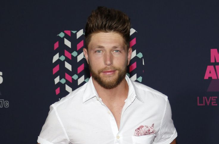 EXCLUSIVE: Chris Lane dishes on romantic 'The Bachelor' performance as new single races up the charts