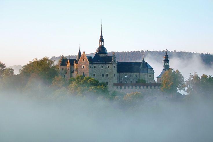 Burg Lauenstein im Nebel