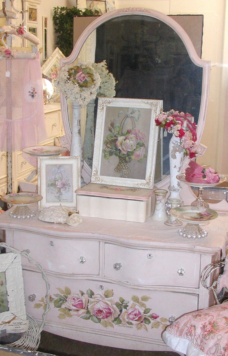 1042 best vintage shabby chic furniture and home decor images on pinterest vintage decor. Black Bedroom Furniture Sets. Home Design Ideas