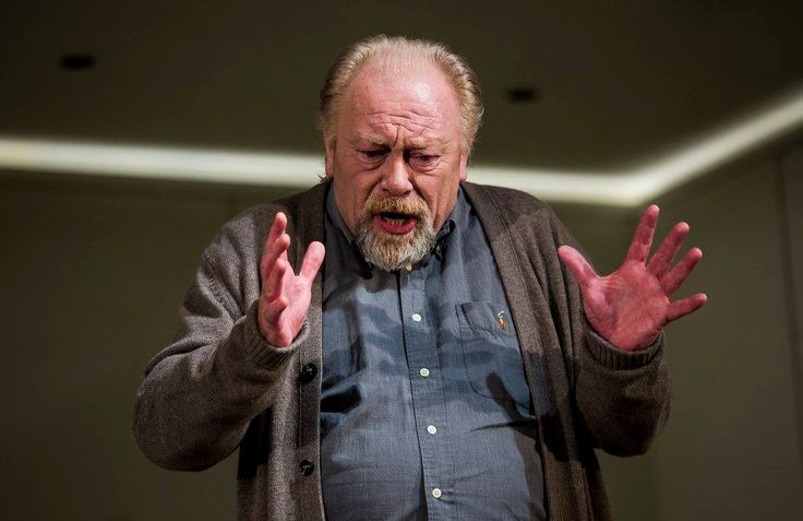 Owen Roe in The Father by Florian Zeller in a translation by Christopher Hampton.  Picture by Pat Redmond