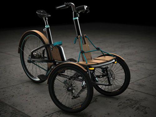 Il imagine un concept de véhicule futuriste et finit avec un tricycle électrique