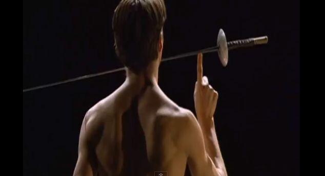 Sreen shot de la partie avec les épées dans petite mort de Kylian : http://www.youtube.com/watch?v=G7afrgC5l8I