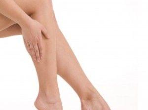 Какие симптомы и как развивается варикоз на ногах
