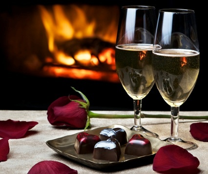 I love little surprises like a romantic dinner waiting for me tonight... Home cooked meal, a glass of wine, a dozen roses and a thank you card. Te amo S.
