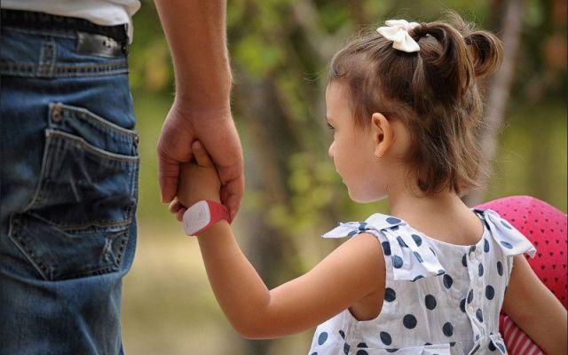 LG presenta KizON: un'indossabile per tutelare i più piccoli La sicurezza dei bambini è un tema molto delicato per i genitori, ogni giorno si cerca di affrontarlo al meglio affidandosi anche ai gadget tecnologici che possono aiutarli. In tale senso Lg ha prese