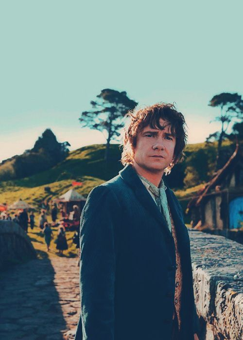 Very nice picture of Martin Freeman in his Hobbit getup.