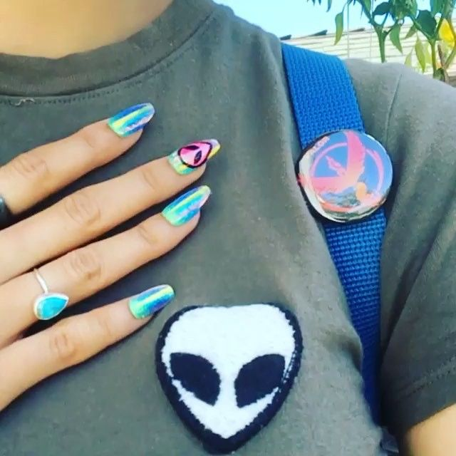 #Repost @eatshitanddie ・・・ I pledge allegiance to outer space. ✨ Custom alien nails by @tres_she
