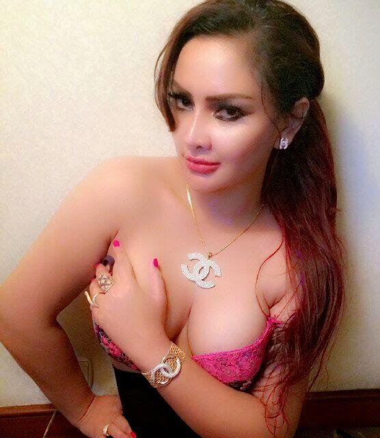 Foto Toples Bugil Sisca Melliana Model Asal Semarang - Dengan alasan profesional dalam menjalankan karier para wanita mau saja melakukan hal hal yang diluar batas kewajaran. Seperti foto foto toples sisca melliana berikut ini dan coba silahkan sobat menilai sendiri,