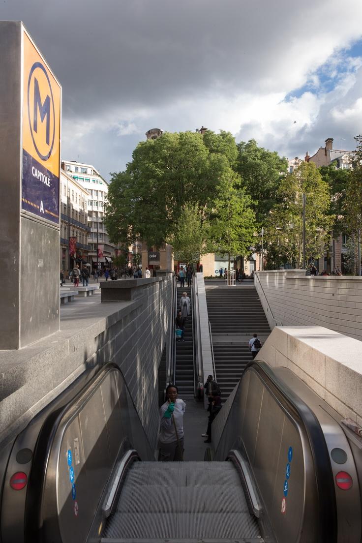 L'hôtel Albert 1er est situé à proximité de la ligne A (arrêt Capitole) et de la ligne B (arrêt Jeanne d'Arc) du métro.
