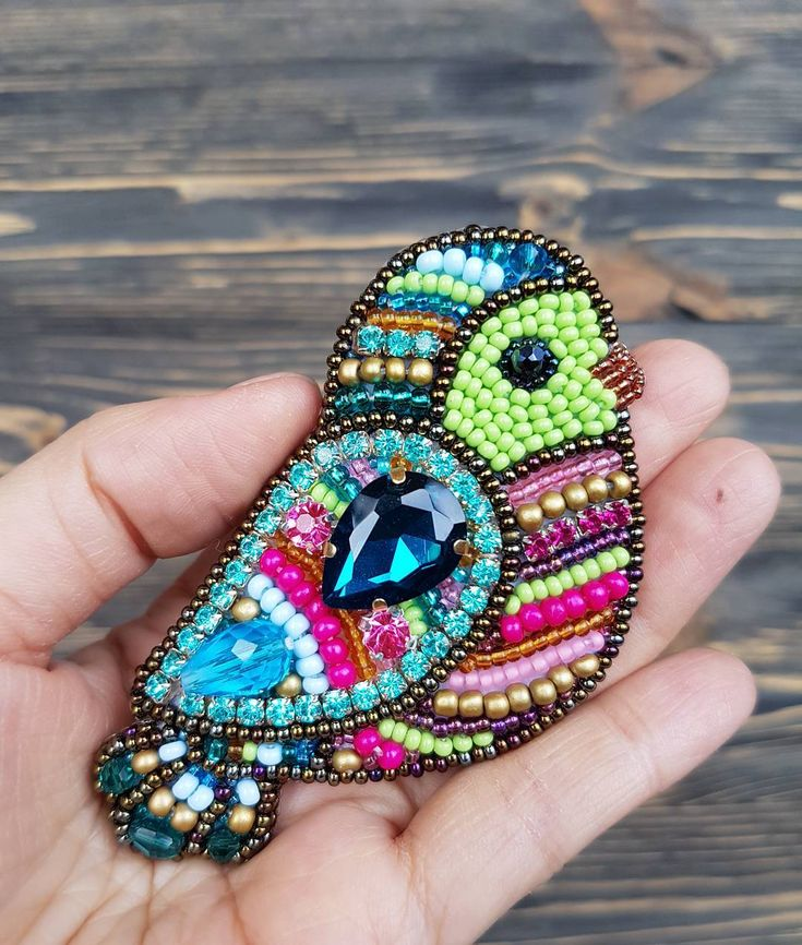 204 отметок «Нравится», 5 комментариев — Marina Dyakonova (@lovesoul_m) в Instagram: «Всеми любимые яркие птички немного поиграла с цветом Брошка была сделана на заказ. #брошь…»