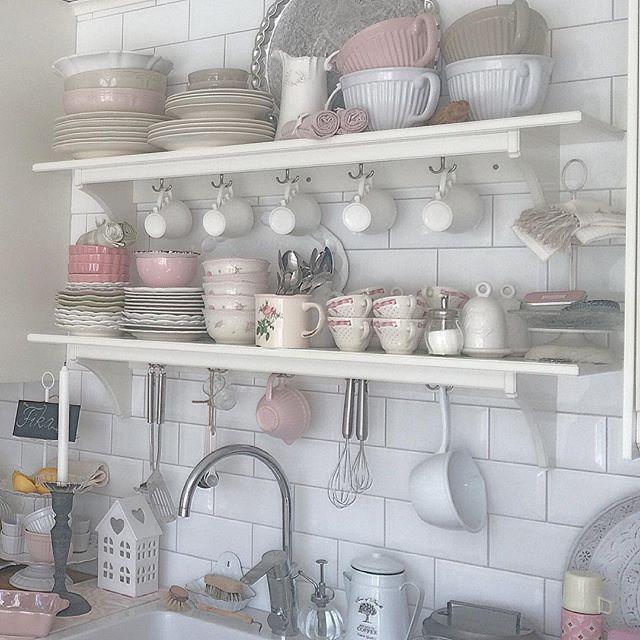 Oltre 25 fantastiche idee su mensole shabby chic su for Nuovo stile cottage in inghilterra