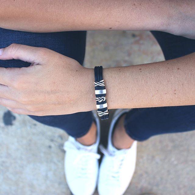 Cualquier momento es bueno. ¿No lo crees? Conoce nuestra nueva colección de pulseras Mar del Sur. www.mardelsurcomplementos.com --------------#complementos #caballero #mujer #pulseras #estilo #mar #like4like #fashion #moda #picoftheday #trendy #outfit #newdesign