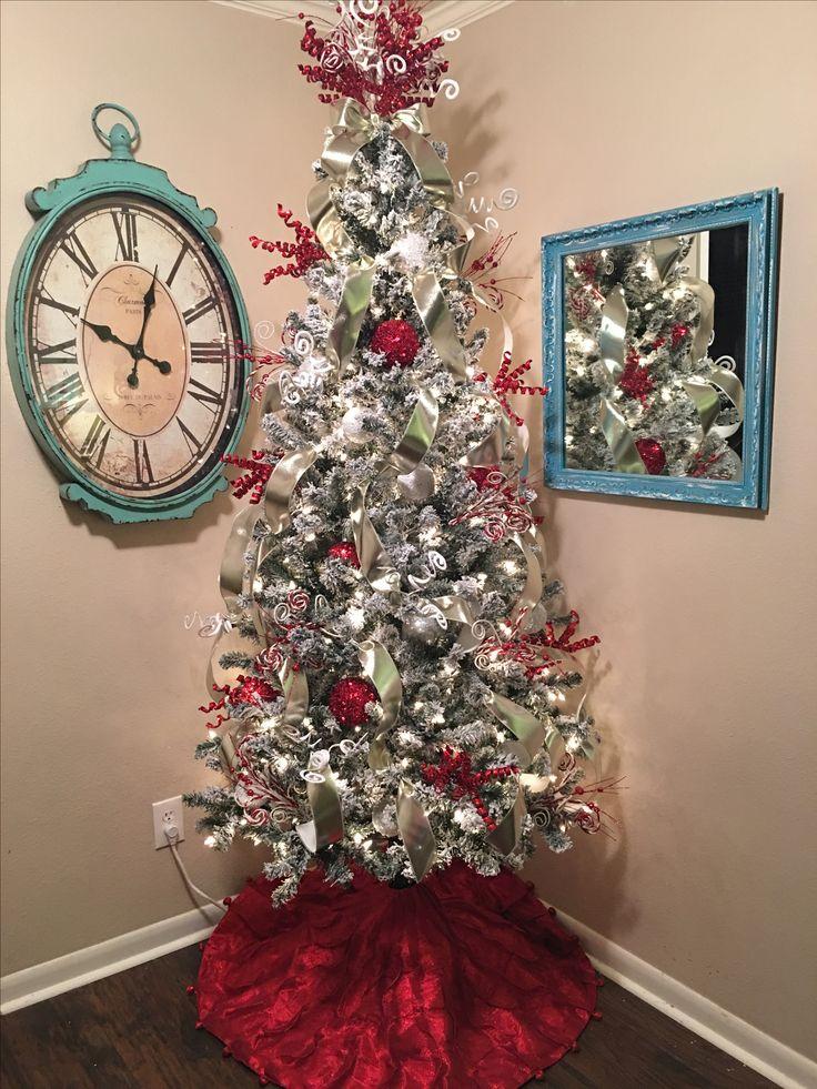 flocked decorated christmas tree christmas pinterest. Black Bedroom Furniture Sets. Home Design Ideas