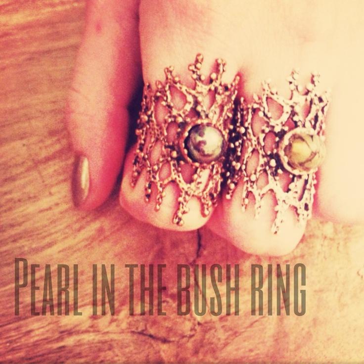 Pearl in the bush ring