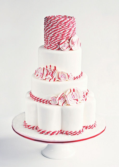What a cuuuuute peppermint cake
