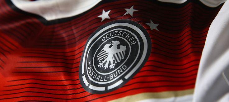 Trikot. Hose. Stutzen. http://www.11teamsports.de/fan-shop/nationalmannschaften/deutschland/adidas-dfb-trikot-deutschland-home-wm-2014.html