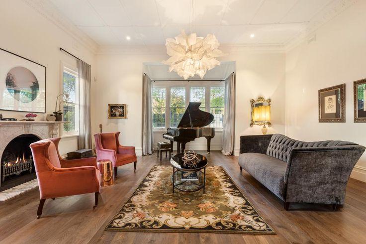 Sackville Manor, Kew, a Luxico Holiday Home