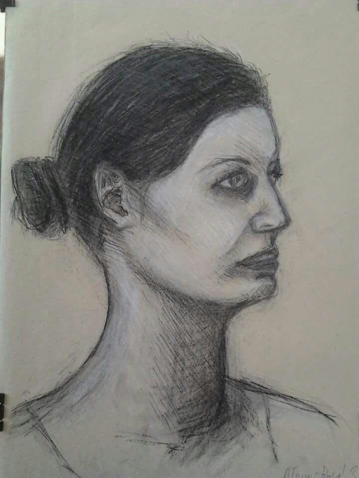 Portrét - kresba uhlem a křídou
