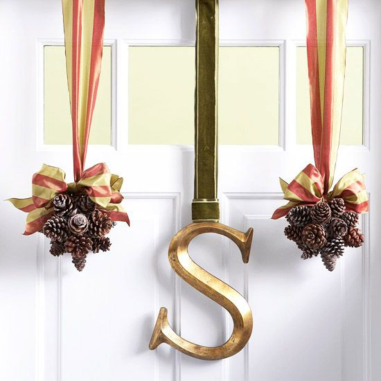 Fall door decor: Holiday, Pinecone, Idea, Craft, Fall Decor, Pine Cones, Christmas, Front Doors