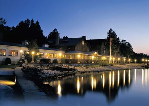 12 Door County Lodging and Resorts with Onsite Dining.  Alpine Resort and Hof Restaurant in Egg Harbor, WI.