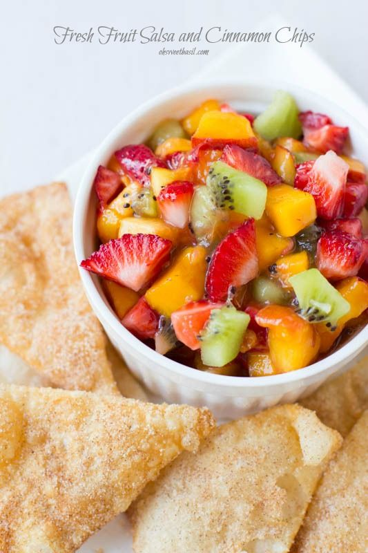 Quick, Easy Fruit Salsa Recipe with our fave cinnamon sugar chips. ohsweetbasil.com